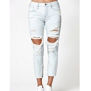 Kendall & Kylie Girlfriend Soul Wash Jeans